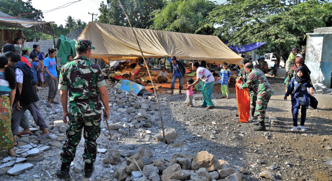 Temporary camps have been setup as people flee their houses during the 2018 Lombok earthquakes